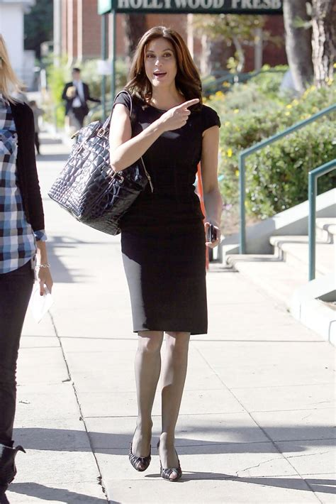 Get Look Teri Hatchers Swarovski Clutch From Clothes Our Back by More Pics Of Teri Hatcher Cocktail Dress 8 Of 13