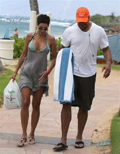 are nicole murphy michael strahan eloping 9 best images about celebrities on pinterest kanye west