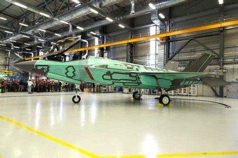 aeroporto militare di cameri roll out primo f 35 costruito all aeroporto militare