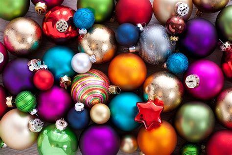 weihnachtsbaum kugeln weihnachtsbaumkugeln c p fotolia 55102000 s jpg