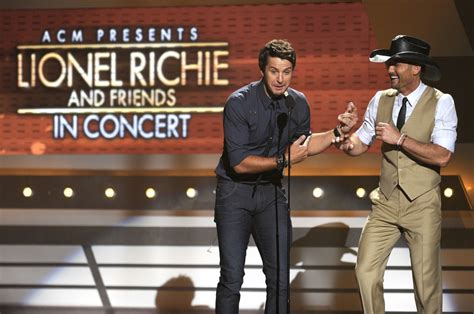 Lionel Richie Finds With Former Miss Nevada by Luke Bryan Photos Photos Acm Presents Lionel Richie And