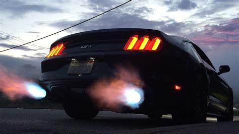mustang shooting brakemustang shooting flames 2015 mustang gt shooting flames