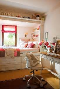 17 best ideas about decorating small bedrooms on pinterest petite chambre 224 coucher comment l am 233 nager