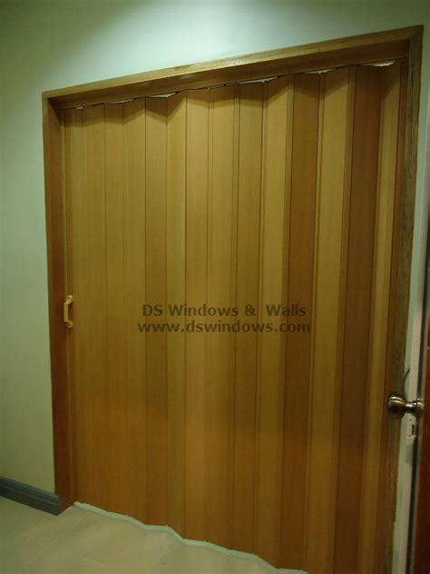 accordion doors for closets accordion door for closet or shoe shelves tagaytay heights philippines