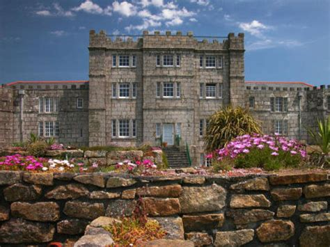 english castle on airbnb 16 vacation homes you can rent 8 english manor home vacation rentals downton abbey house