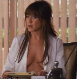 Purple Chair And A Half Horrible Bosses Jennifer Aniston Gets In Her