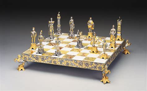 chess set medici e pazzi medici vs pazzi family gold silver chess set