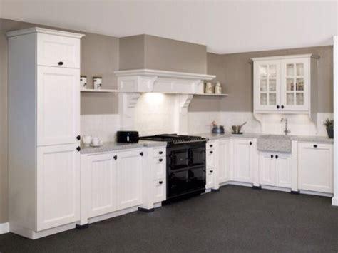 m style fornuis landelijke keuken met fornuis en schouw kitchen