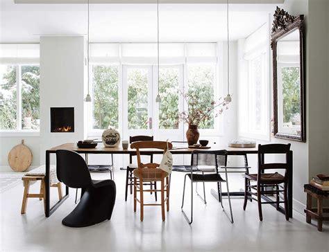 tavolo con sedie diverse ecco come mischiare sedie di stili e colori diversi per
