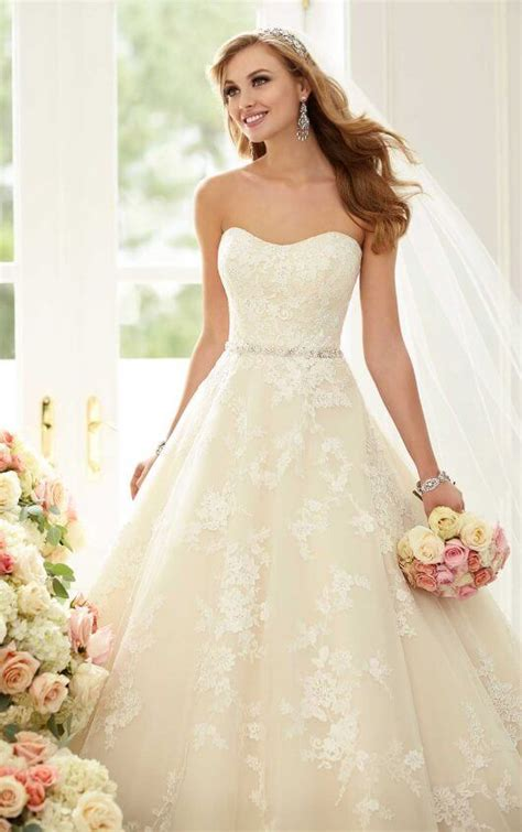 wedding dresses lace ball gown  sparkly belt