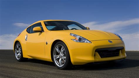 nissan yellow yellow sports cars