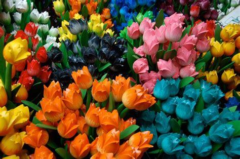 fiori finti come pulire i fiori finti i consigli per un risultato