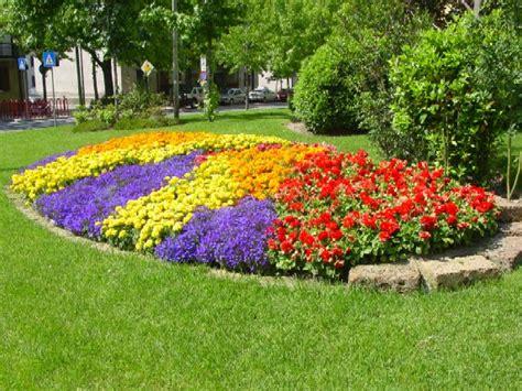 aiuole fiorite come crearle perfette per tutte le stagioni