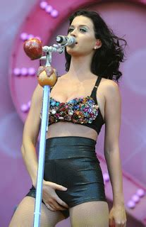 katy perry no bra | best famous pictures