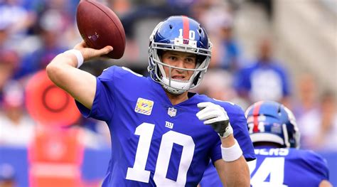 Giants Qb Eli Manning Scores Big With Funnyman David Letterman Last by Giants Eli Manning Underwent An X On His Neck Si