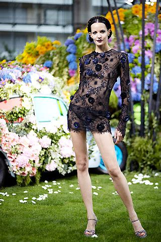 It Or Loathe It Minogue In Emanuel Ungaro Ss 07 by Emanuel Ungaro Summer 2011 Searching For Style