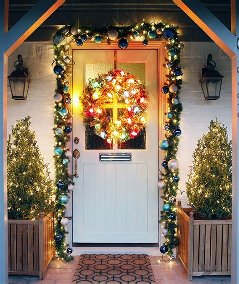 outdoor christmas lights creative ways to decorate