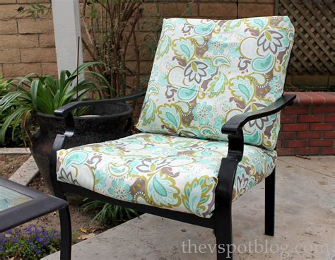 Diy Patio Chair Cushions No Sew Project How To Recover Your Outdoor Cushions Using Fabric And A Glue Gun The V Spot