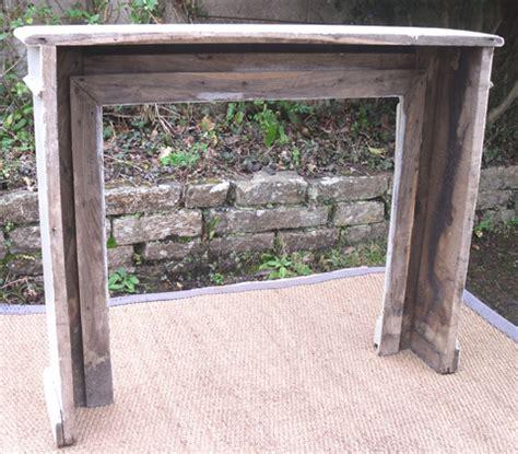 tour de cheminee joli tour de chemin 233 e ancien en bois peint avec d 233 co de