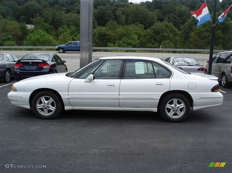 Pontiac Bonneville 1996 by 1996 Bright White Pontiac Bonneville Se 16755439 Photo 5
