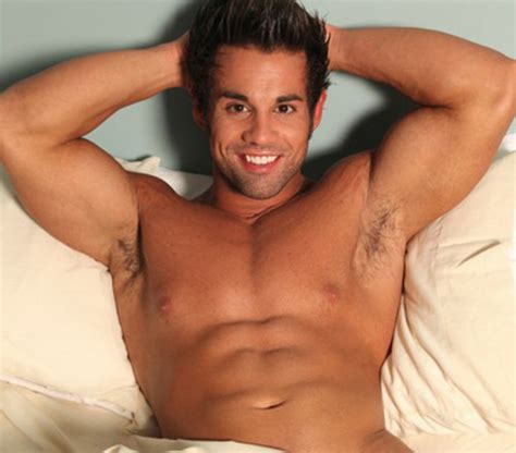 celebrity rehab guy celebrities who died young images joey kovar 1983 2012