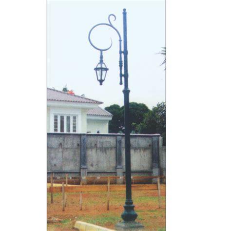 Tiang Taman Antik Minimalis 15 model tiang lu taman antik dari indalux indalux