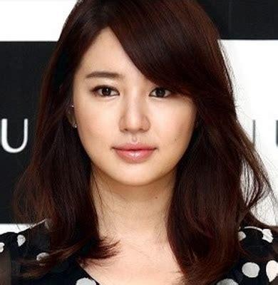 Wanita Pendek 1 model potongan rambut pendek sebahu wanita terbaru