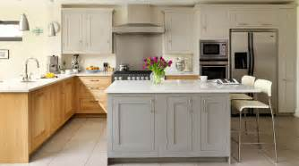 Painted Kitchens Designs Oak Amp Painted Shaker Kitchen From Harvey Jones