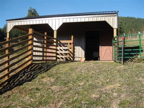 stall horse barn   lean  shed breezway