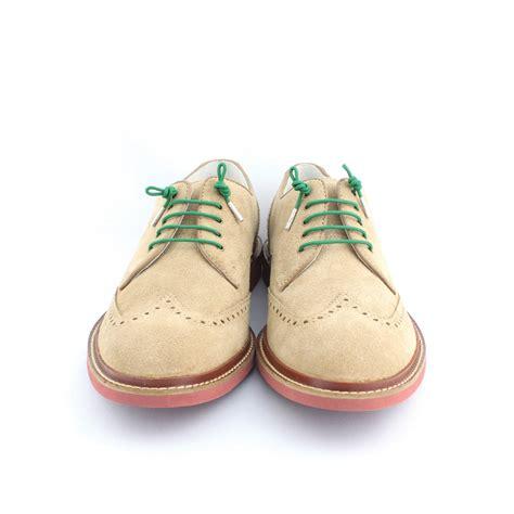 happy holidays dress shoe laces lapel pin stolen