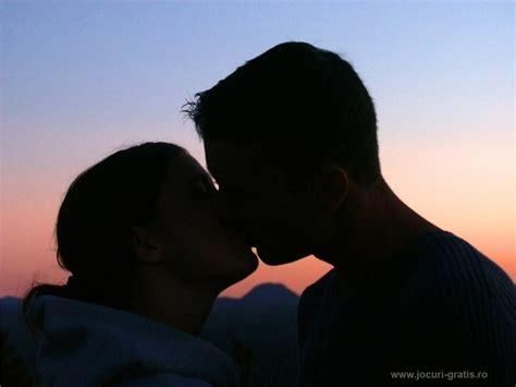 wallpaper couple hot kiss trololo blogg wallpaper couple love romantic