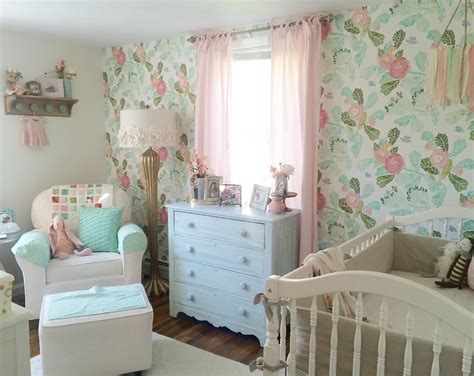 kinderzimmer shabby chic rory lou s shabby chic mint pink and gold nursery