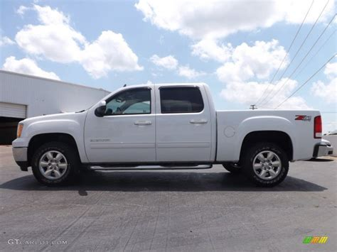 photos and videos 2011 gmc sierra 1500 crew cab truck summit white 2011 gmc sierra 1500 slt crew cab 4x4 exterior photo 81529798 gtcarlot com