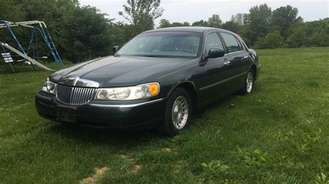 1999 lincoln town car reviews 1999 lincoln town car executive complete tour review and