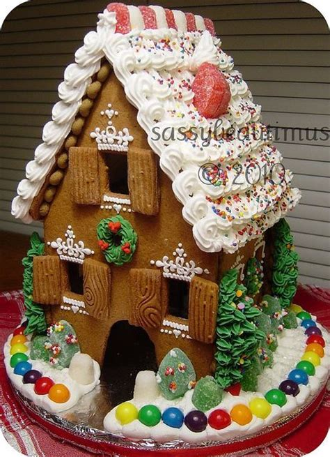 windows for gingerbread house gingerbread house with cute windows gingerbread house pinterest