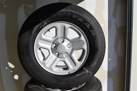 Jeep Tires For Sale Jeep 16 Inch Oem Wheels And Tire Package Of 5 Wheels Tires