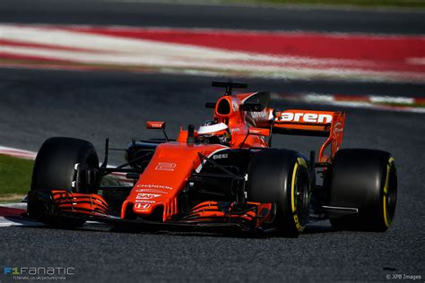 f1 fanatic up mclaren approached mercedes