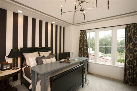 Bedroom Paint Ideas For Men toque dedistinci 243 n con papel de pared a rayas