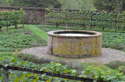 pozzi da giardino in pietra pozzi da giardino in pietra best foto in vendita a