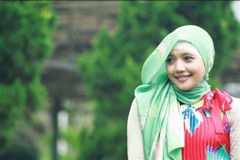 Islamic Artworks 12 Kaos Distro Pria Wanita Anak Oceanseven kenali pakaian wanita muslim sesuai syariat islam