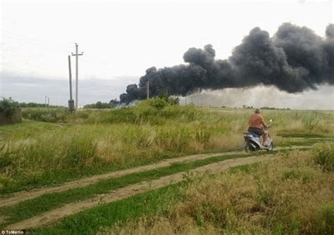 malaysia airlines flight 17 shot down in ukraine how did warning graphic photos scene of malaysian mh17 plane