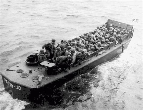 higgins boat new orleans ww1 us higgins boat landing craft google search rivet