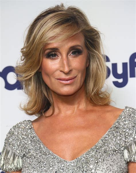 new york city housewives hairstyles sonja morgan medium wavy cut shoulder length hairstyles