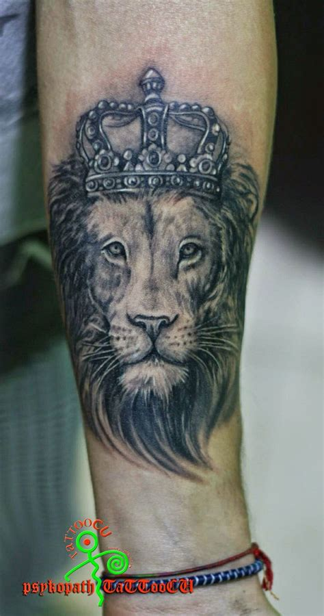 crown lion tattoo
