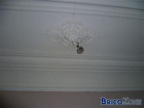 ragr 233 er un plafond moulur 233
