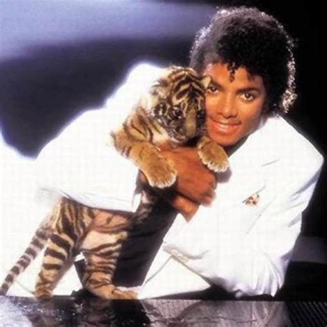 Michael Jackson Record Sales After G O A T Michael Jackson S Thriller Becomes The Album To Go 30 Times