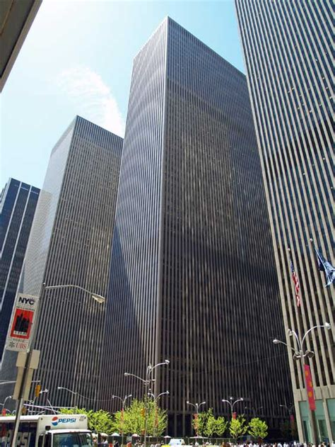 The Devil Wears Prada Film Locations   On the set of New York.com