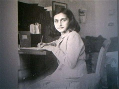 biography of anne frank in spanish g1 museu anne frank ter 225 que devolver arquivos a