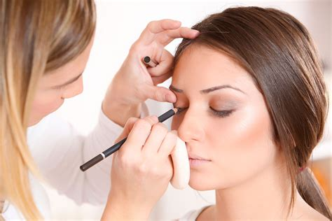 Makeup Artist Secrets Makeup Artists Wish They Could Tell You Reader S