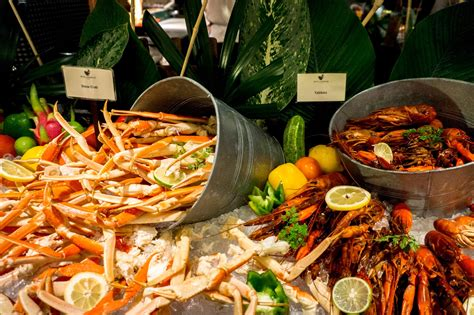 Seafood Buffet Dinner Spice Market Shangri La S Rasa Sea Food Buffet